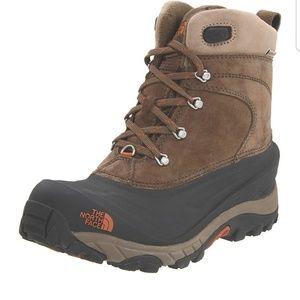 TNF Men's Chilkat II Suede Winter Boots, Size 10.5